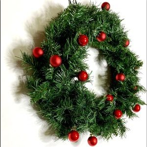 Holiday - Evergreen Christmas Wreath w/ Red Glass Ornaments